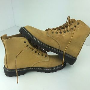 Eastland Lace Up Leather Boots